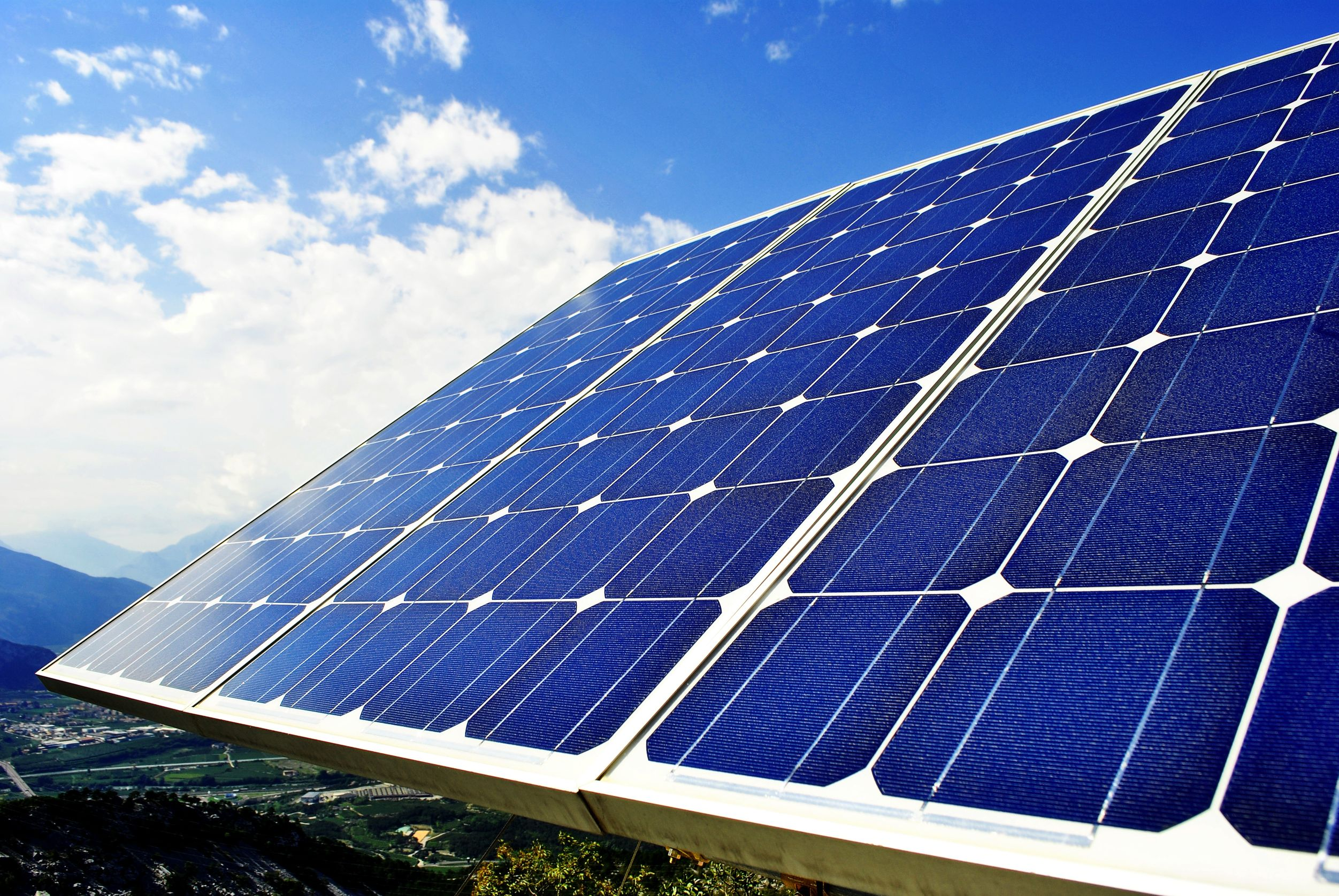 Thinking About Solar Panels? Why They Can Benefit Anyone in Rancho Cordova